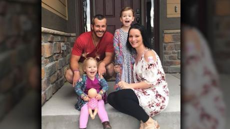 & # 39; He has changed: The texts show a gap between Chris Watts and his wife before killing her