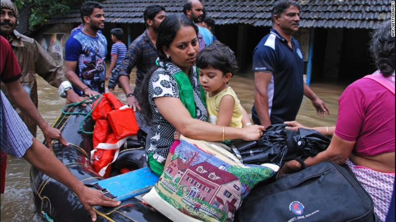 How many people have been displaced by Kerala floods?
