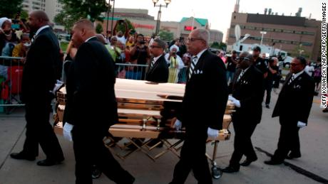 Franklin's casket  arrives at the Charles H. Wright Museum of African American History for Tuesday's viewing.
