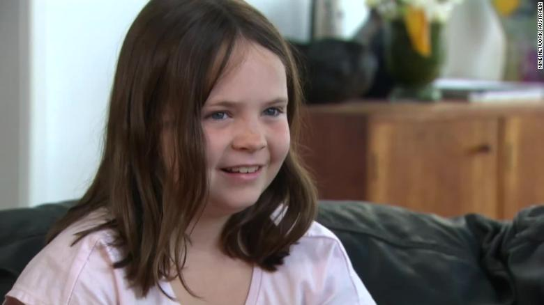 Rightwing Australian politicians criticise girl, 9, in row over anthem