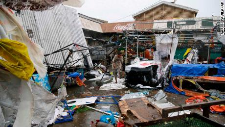 Typhoon Mangkhut: about 100 feared dead in the Philippines