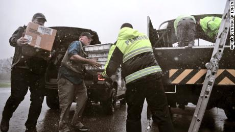 Il a servi 3,6 millions de repas gratuits à Porto Rico après l'ouragan Maria. Maintenant, il nourrit les personnes touchées par Florence