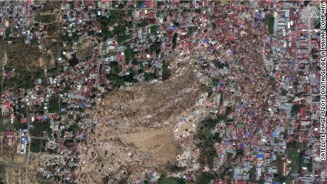 Antes, después de que las imágenes muestren pueblos desaparecidos en mortal terremoto de Indonesia, tsunami