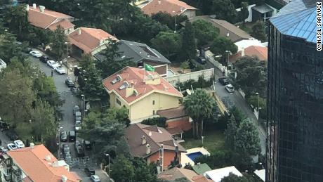 An aerial shot of the Saudi consulate in Istanbul on Oct 9th. The yellow, small building with flag is the consulate.