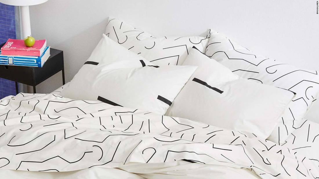 Over 24,000 people are raving about this luxury linen set