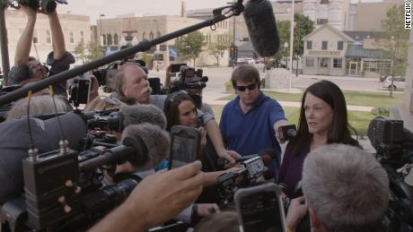 'Making a Murderer' picks up trail under glare of the spotlight