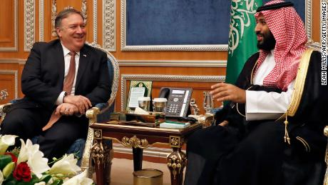 Pompeo briefs Trump after trip to Saudi Arabia, Turkey