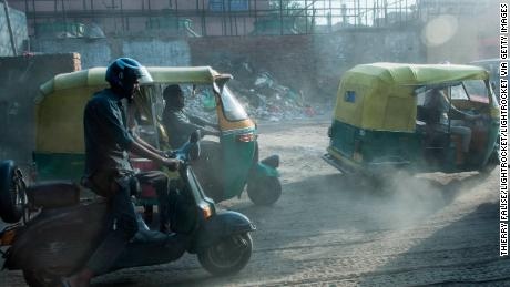 Delhi bans trucks as mega-city chokes