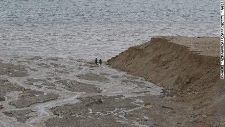 Flash floods in Jordan kill at least 7