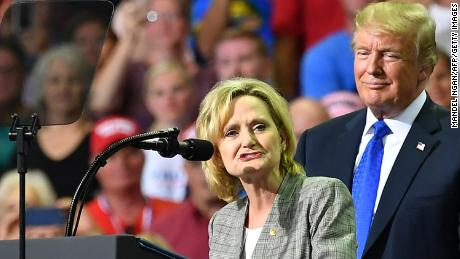 Trump defends Hyde-Smith, says she apologized for public hanging & # 39; comment