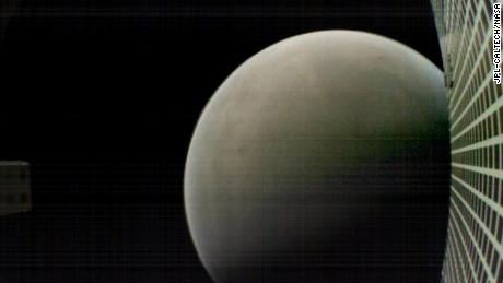 MarCO-B took this image of Mars at about 4700 km.