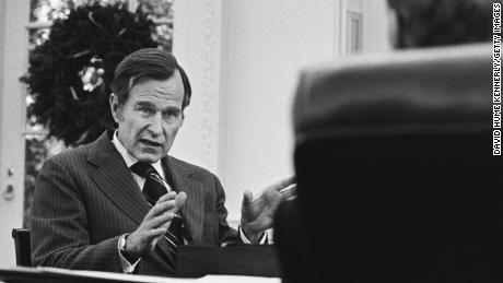 George H.W. Bush fue exactamente el opuesto político de Donald Trump