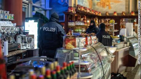 Police swoop on mafia suspects across Europe