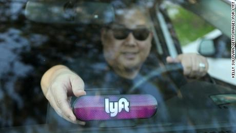 SAN FRANCISCO, CA - JANUARY 31:  A Lyft driver places the Amp on his dashboard on January 31, 2017 in San Francisco, California.  (Photo by Kelly Sullivan/Getty Images for Lyft)