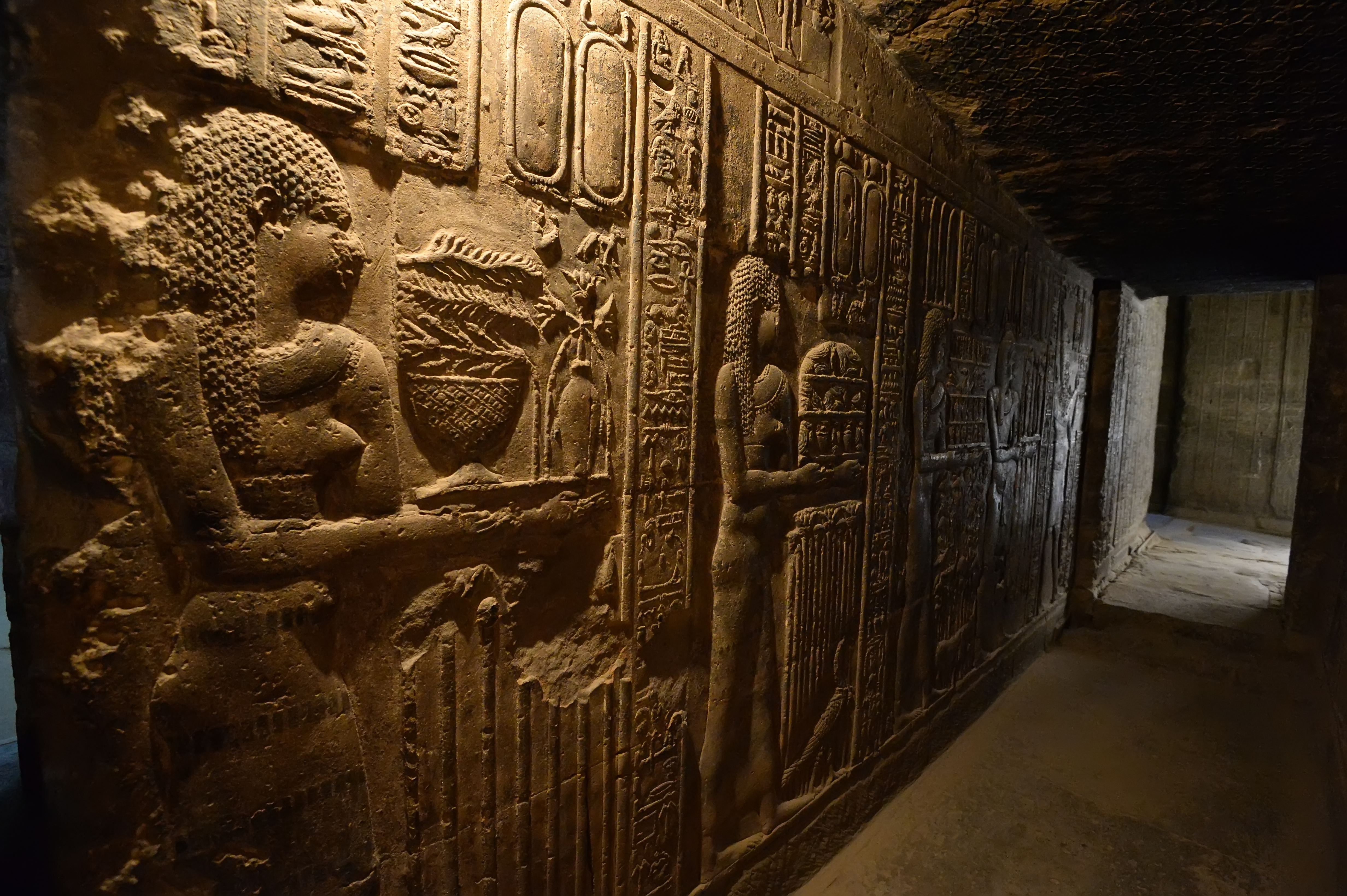 See inside well-preserved 4,400-year-old tomb