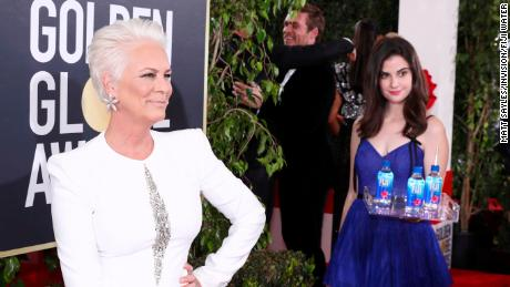 Fiji Water Girl steals the limelight at the Golden Globes