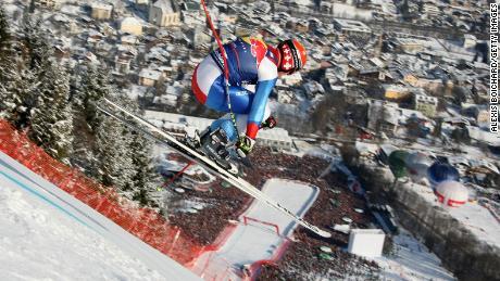 Pourquoi la descente Hahnenkamm de Kitzbühel est la course la plus folle de ski