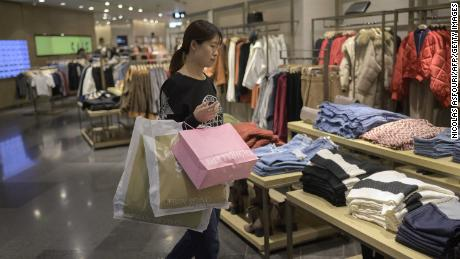 China to pass US in retail sales this year: forecast