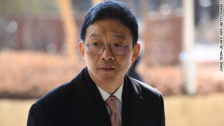 Former senior South Korean prosecutor Ahn Tae-geun arrives at the Seoul Central District Court to attend his trial in Seoul on January 23, 2019.