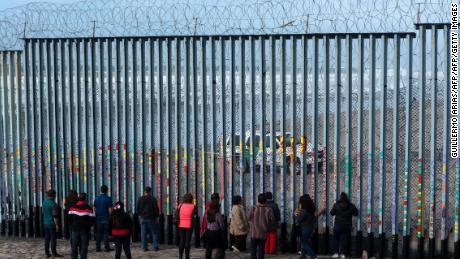 Las autoridades de inmigración de EE. UU. Detallan el llamado retorno orientación hacia México para migrantes