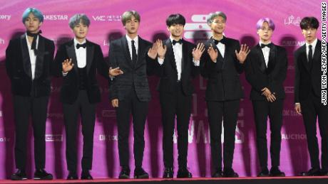 V, Suga, Jin, Jungkook, RM, Jimin and J-Hope at the 2019 Seoul Music Awards.