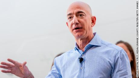 Jeff Bezos applauded for going public about Enquirer 'extortion' attempt