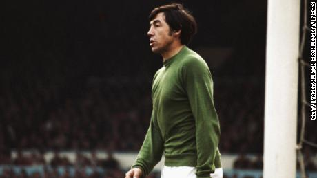 Gordon Banks won the 1972 League Cup with Stoke City.