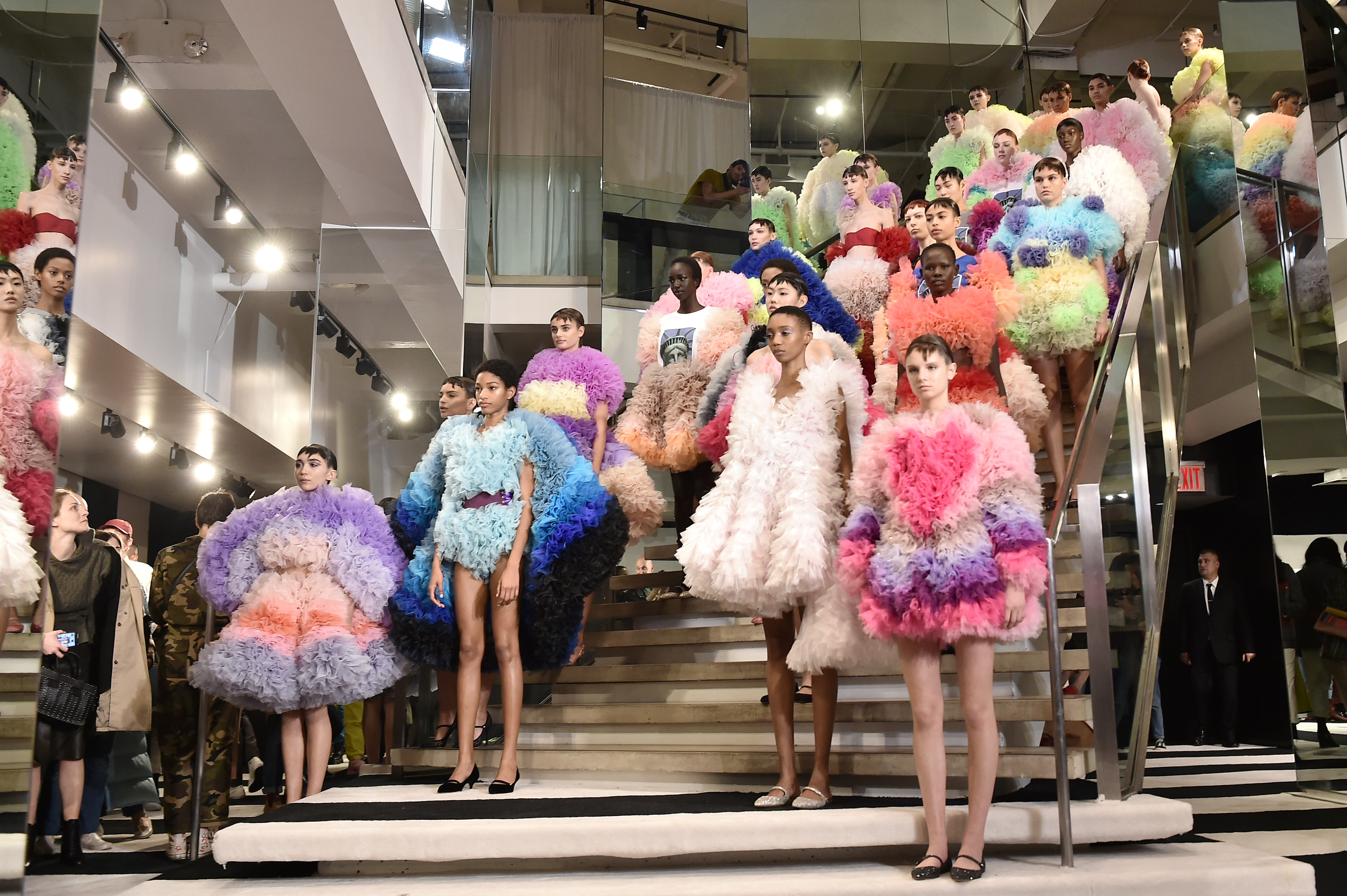 New York Fashion Week Powerful Statements And Lashings Of Fun Cnn Style