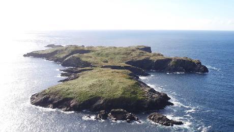 Nab a deserted Irish island for $1.4 million -- but bring a scarf