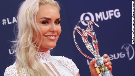 Vonn poses with her Laureus Spirt of Sport Award.