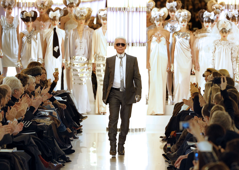 Pioneering Fashion Designer Karl Lagerfeld Has Died Cnn Style