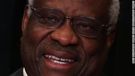 Geht Clarence Thomas aus oder fängt er an?