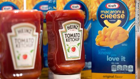 Kraft Heinz plunges to record low on US$15.4B writedown