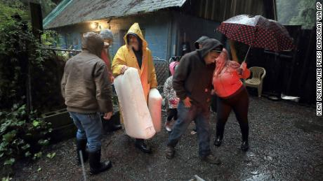 Storm slams western United States , raises flood fears to California