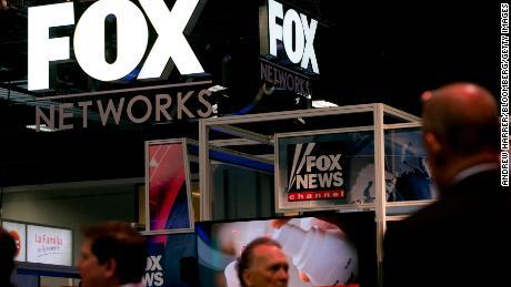 Donald Trump (et Fox News) sifflent leur chien avec Joe Biden