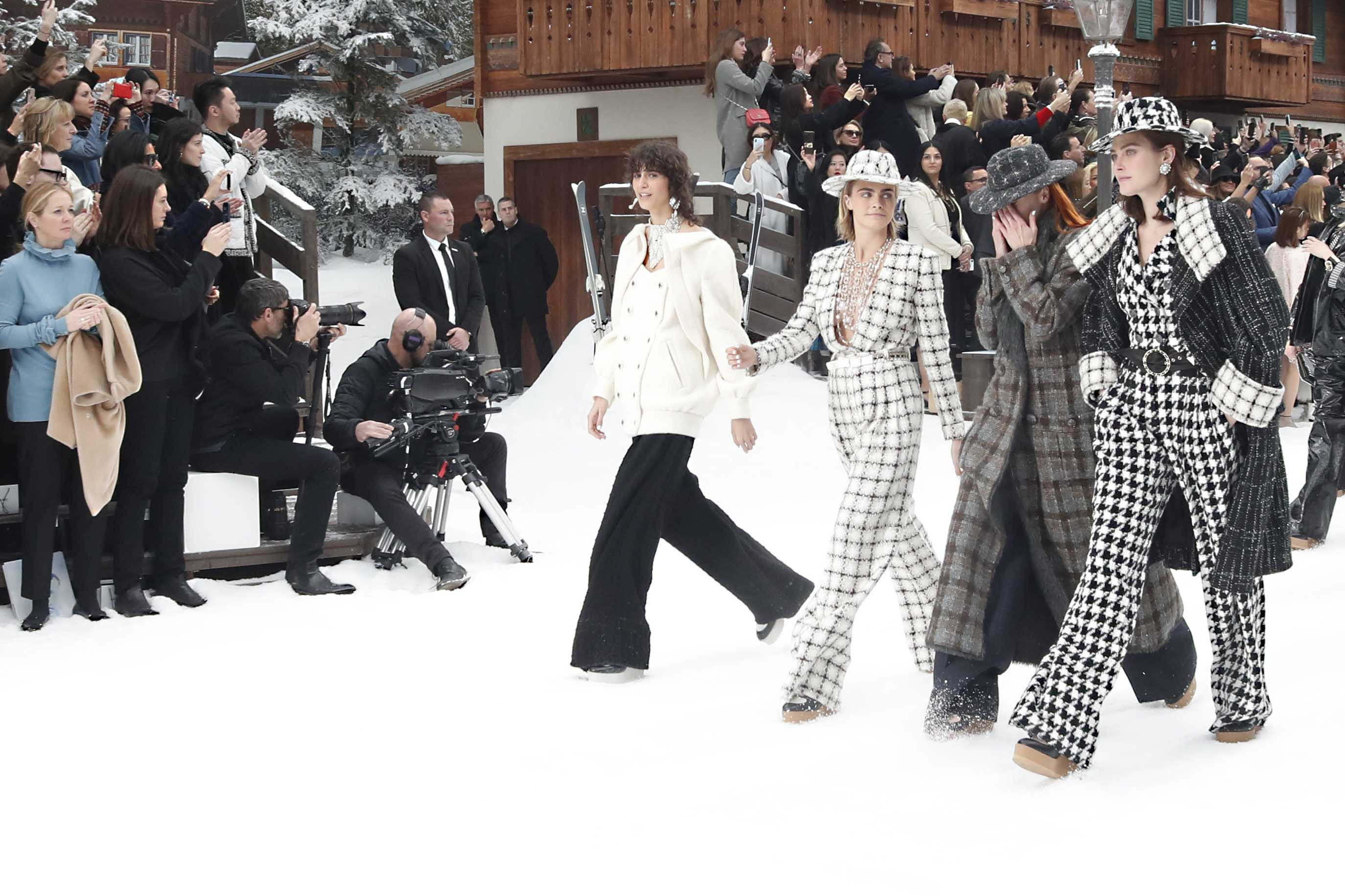 Резултат с изображение за chanel lagerfeld 2019 autumn