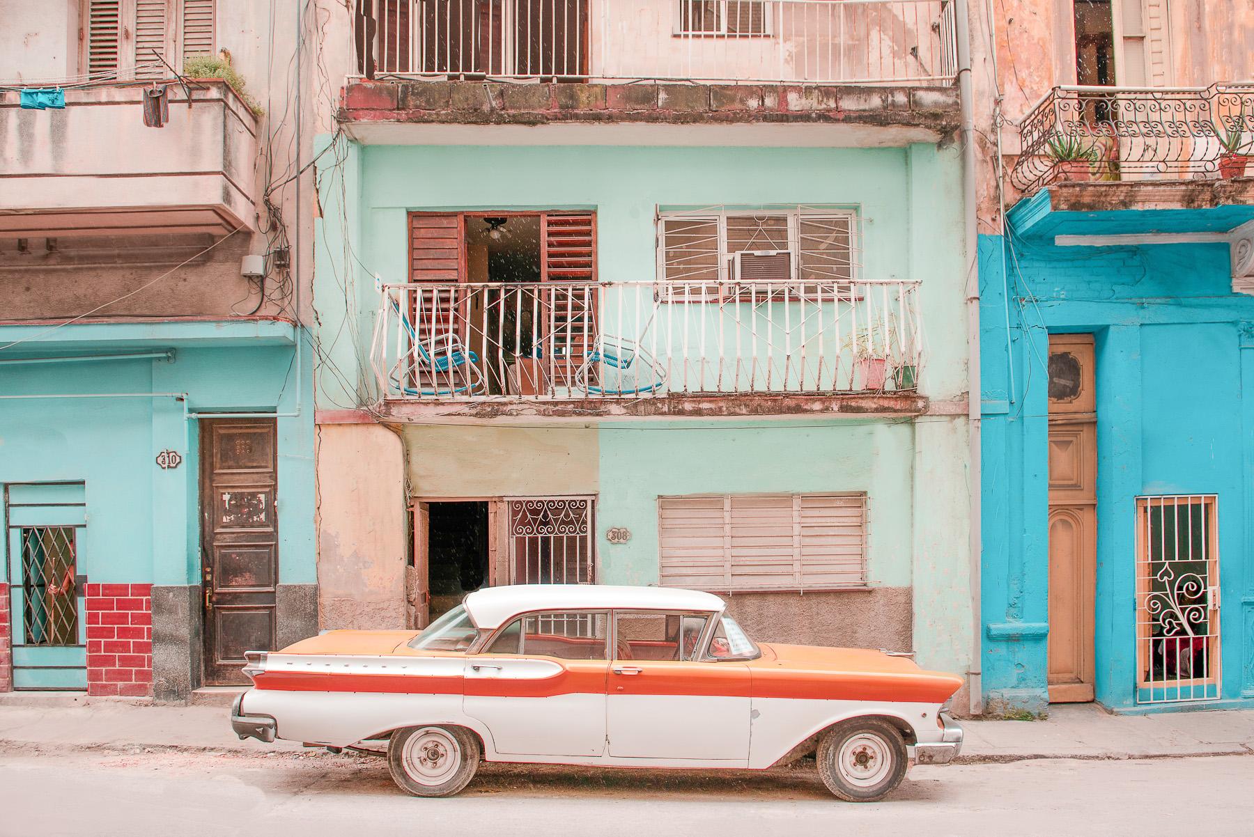 Photographs Reimagine Havana As A Pastel Colored Dreamland Cnn Style