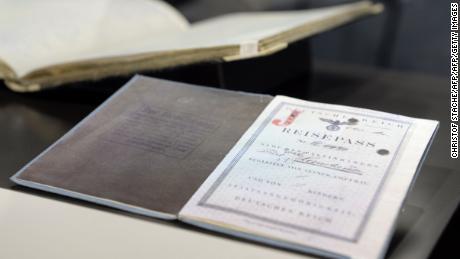 Kurt Landauer's passport on display at the Bayern museum.