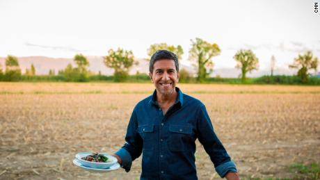 Chasing Life with Dr. Sanjay Gupta 104 -- Italy Sanjay in Italy