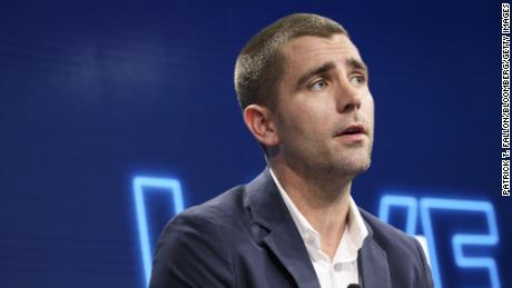 Facebook loses two of its top execs