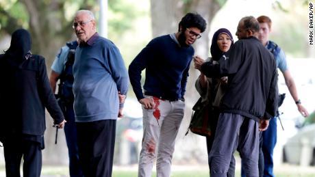 Mehrere bewaffnete Todesfälle, als bewaffnete Männer an zwei Moscheen in Neuseeland in Christchurch das Feuer eröffnen