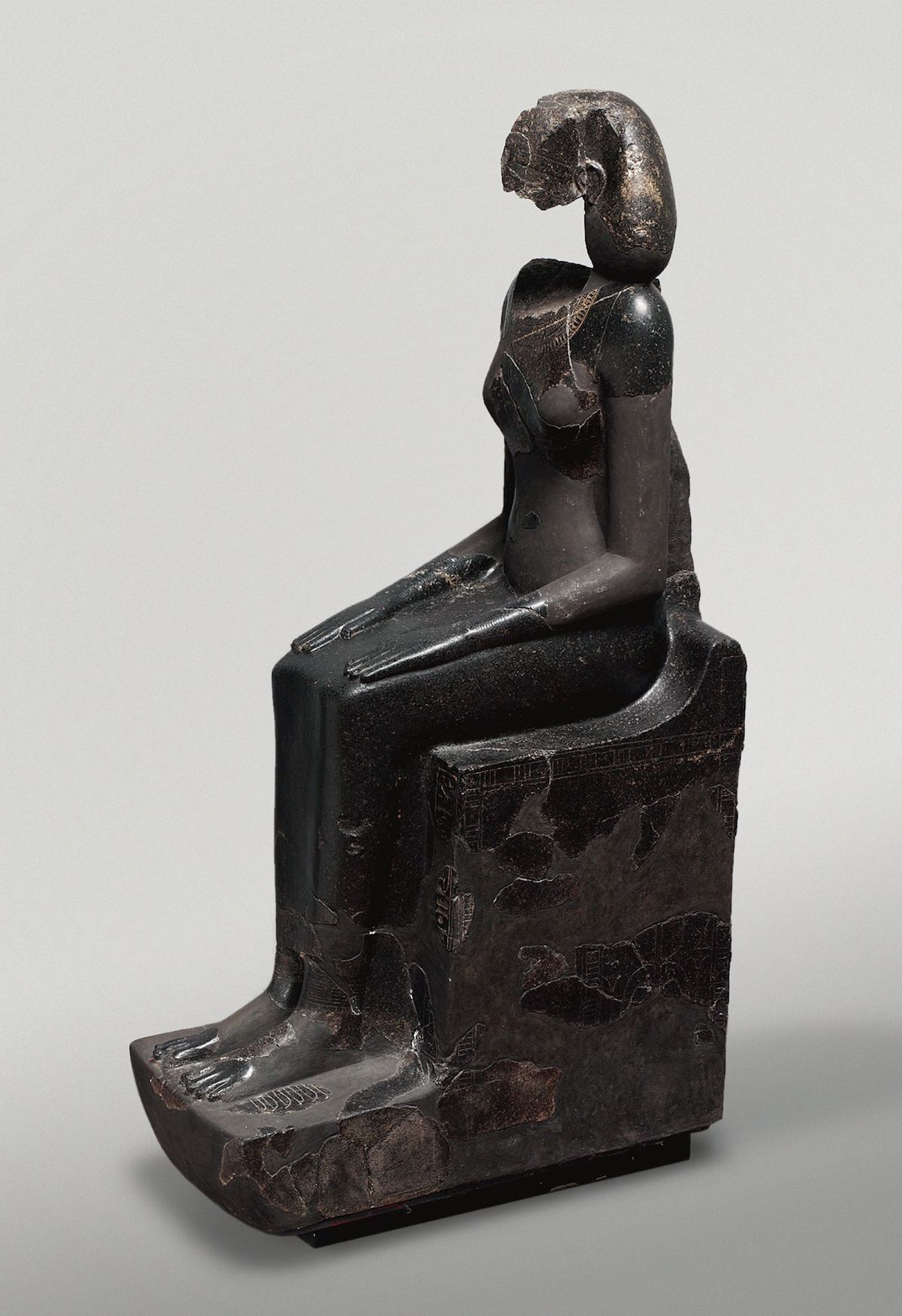7b1857c9 Why do so many Egyptian statues have broken noses? - CNN Style