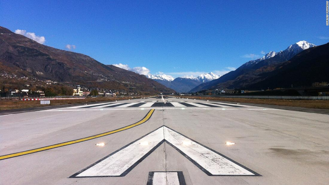 World's 10 most scenic airport landings for 2019