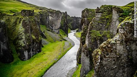 Iceland beauty spot Fjaðrárgljúfur closing to tourists
