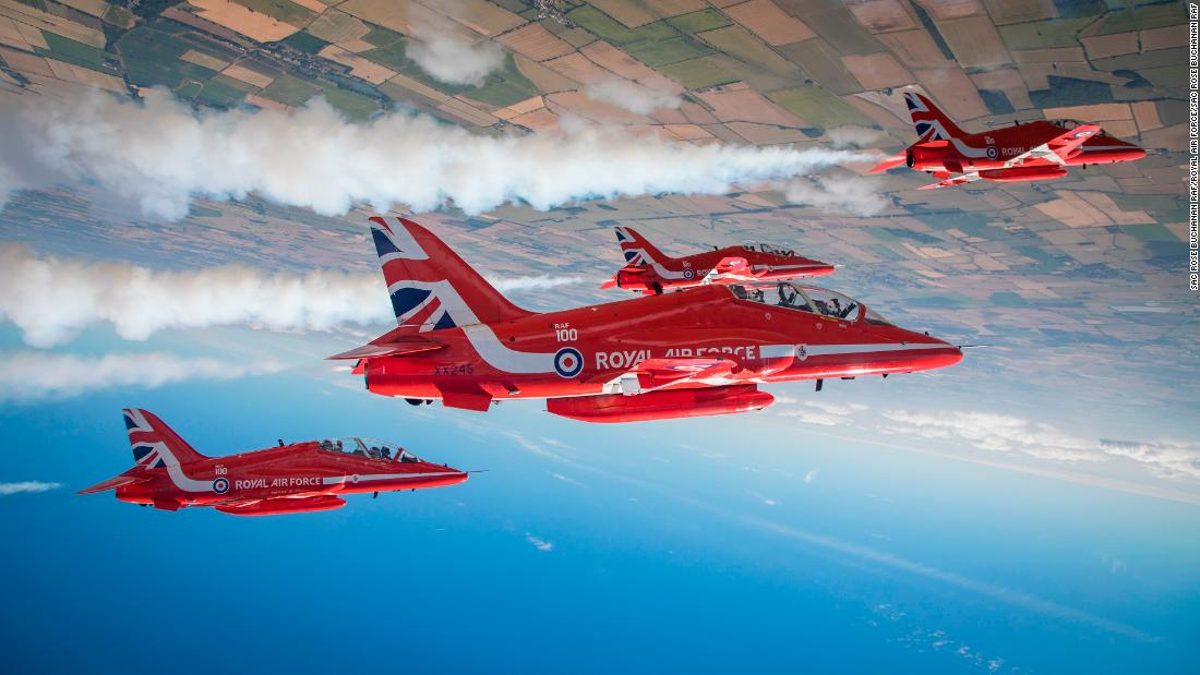 US and Canada air shows in 2019: RAF Red Arrows and 747s