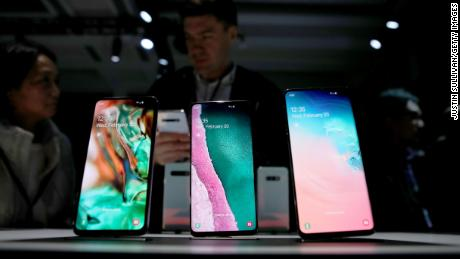 Samsung's earnings warning shows the impact of slower iPhone sales