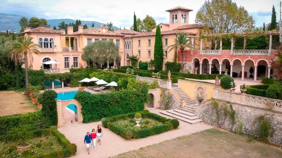 owner of 64 million chateau diter ordered to demolish it. Black Bedroom Furniture Sets. Home Design Ideas