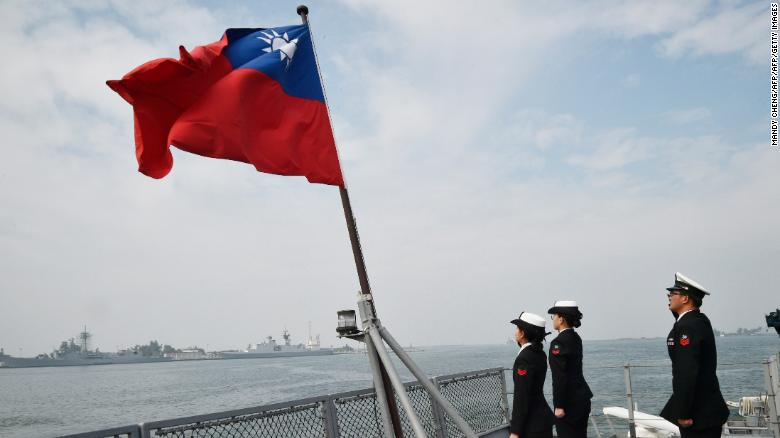 On US stopover, Taiwan leader says Hong Kong an omen
