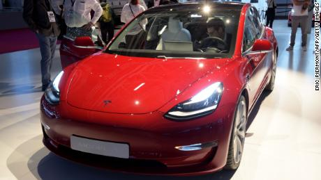 Tesla fait mal mais les voitures électriques et autonomes constituent toujours un bon investissement