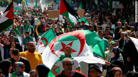About 1mn protesters join Algiers rally against president